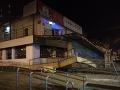FOTO Zásah hasičov na prešovskom sídlisku: Pri obchodnom stredisku sa zrútilo schodisko