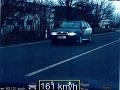 Muž výrazne prekročil povolenú rýchlosť: Prišiel o vodičák aj o doklady od auta