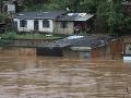 Záplavy a zosuvy pôdy zabili v Brazílii najmenej 53 ľudí, padol 110-ročný rekord