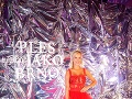 Hviezda reality šou Nela Slováková predviedla na českom plese hriešne drahé šperky aj odvážny dekolt.