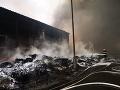 Vo Chvojnici horel rodinný dom, zranila sa jedna osoba