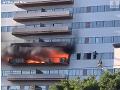 VIDEO V Los Angeles horela výšková budova, osem ľudí sa zranilo
