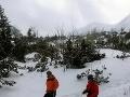 Horskí záchranári pomáhali slovenskej skialpinistke: Zranila sa pri páde na lyžiach