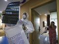 Čína priznala nedostatky v boji proti koronavírusu: Belgicko má prvý pozitívny test