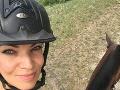 Vášňou Lindy Antal Rezešovej je jazdenie na koňoch.