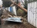 Nepriaznivé počasie narobilo škody v hlavnom meste aj minulý týždeň.