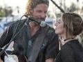 Lady Gaga a Bradley Cooper vo filme Zrodila sa hviezda.