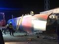 V čínskej provincii Chu-nan sa vykoľajil vlak: Zranilo sa 127 ľudí a jeden zahynul