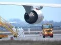 Británia vypravila posledný evakuačný let z Wu-chanu: Na palube bolo vyše 200 ľudí