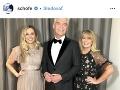 Phillip Schofield s manželkou Stephanie a jednou z dcér.