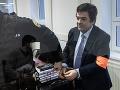 Kauza zmenky ONLINE! Rusko prezradil záhadu zmeneného podpisu, Kočnera nechal na súde samého