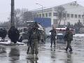 Samovražedný útok v Kábule: Traja príslušníci armády a dvaja civilisti prišli o život