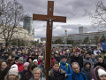 Výzva pre prezidentku: Na modlitbovom stretnutí sa zúčastnilo asi tisíc ľudí