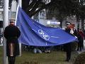 Parlament v Severnom Macedónsku jednomyseľne odhlasoval vstup do NATO: Vyvesili aj vlajku