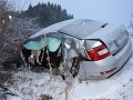FOTO Zrážka auta s autobusom v obci Hybe: Všetci mali šťastie v nešťastí
