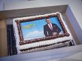 Na jednej z tort bola jeho podobizeň.
