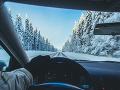 Vodiči, majte sa na pozore: Počasie komplikuje dopravu, SHMÚ stále varuje pred nárazovým vetrom