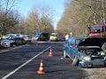 FOTO Iba 14-ročný chlapec autom napálil do dôchodcu: 73-ročný muž utrpel vážne zranenia