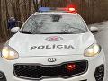 Polícia vypátrala dvoch tínedžerov, ktorí prepadli 93-ročnú ženu v jej dome