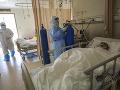 Koronavírus šíri strach aj naďalej: V Číne dezinfikujú finančnú hotovosť