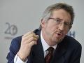 SDKÚ vyviedla spoločnosť z izolácie a vulgárnej politickej reality, hodnotí exminister Šimko