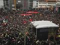 My sme Nemecko, patríme k sebe: VIDEO Masaker v Hanau spojil národ, ľudia si uctili obete streľby