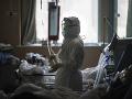 AKTUÁLNE Čína hlási ďalších 150 úmrtí na koronavírus, Rakúsko pozastavilo vlak z Talianska