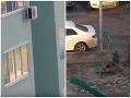 Absolútna bizarnosť z Ruska: VIDEO Z toho, čo vymyslel tento pohodlný rodič, vám ostane rozum stáť