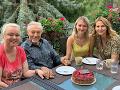 Karel Gott s dcérami Dominikou a Luciou a s manželkou Ivanou.