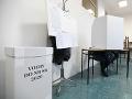 Volič vo volebnej miestnosti
