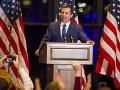 Prekvapenie v boji o Biely dom: Prvý otvorene homosexuálny kandidát oficiálne odstupuje