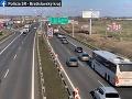 AKTUÁLNE Dopravný chaos na D1 v smere do Senca: Vodiči musia rátať s kolónami
