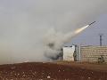 Sýrska armáda zlikvidovala niekoľko rakiet: Z útoku podozrieva Izrael, zomreli traja civilisti