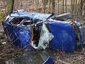 FOTO Hrozivá nehoda na ceste pri Lučenci: Auto po šmyku skončilo v priekope