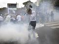 Venezuelčania demonštrovali v uliciach: Polícia musela použiť slzotvorný plyn