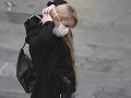 KORONAVÍRUS Nakazila sa študentka bratislavskej strednej školy, rázna výzva starostu obce, v ktorej žije