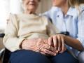 PRIESKUM Slováci vítajú preventívne opatrenia: Starší ľudia nevedia posúdiť stupeň ohrozenia