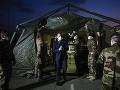 KORONAVÍRUS Macron vyhlásil koronavírusu vojnu, do boja zapojil armádu