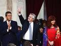 Prezident Alberto Fernández (v strede)