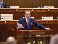 Politológ: Ak ľud dal vo voľbách dôveru Borisovi Kollárovi, tak si iného predsedu parlamentu nezaslúži