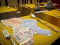 Bratislava zaplatí za chyby: Mesto zaplatí vyše 40-tisíc za tender na stravné karty z minulosti