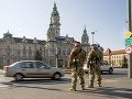 Vojaci hliadkujú v mestách
