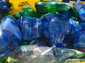 Odklad zálohovania jednorazových obalov: Výrobcovia nápojov a obchodníci netaja spokojnosť