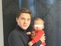 Dnes je z Dalibora Slepčíka dospelý mladý muž, ktorému robí radosť jeho synovec Mateo.