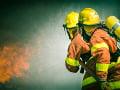 Žilinskí hasiči likvidovali požiar auta, ktoré začalo horieť po zrážke s diviakmi