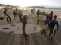 KORONAVÍRUS Opatrenia poľavujú: Svetoznámu pláž Bondi v Sydney opäť otvorili na športovanie