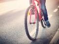 Nehoda v Michalovciach: Pri zrážke s autom utrpel cyklista ťažké zranenia
