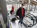 KORONAVÍRUS Americké aerolínie nebudú nútiť pasažierov v lietadle do zakrývania nosa a úst