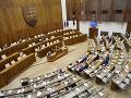 KORONAVÍRUS Parlament začal rokovací deň diskusiou o zjednodušení eurofondov počas krízy