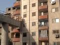 Ľudia sa búria proti stavbe v tesnej blízkosti ich bytov: Šialenosť na VIDEU, kto toto povolil?!